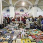 """Зображення для новини Відзнака """"Кращий книжковий фестиваль"""" 2019 поїхала з Лондону в Україну"""
